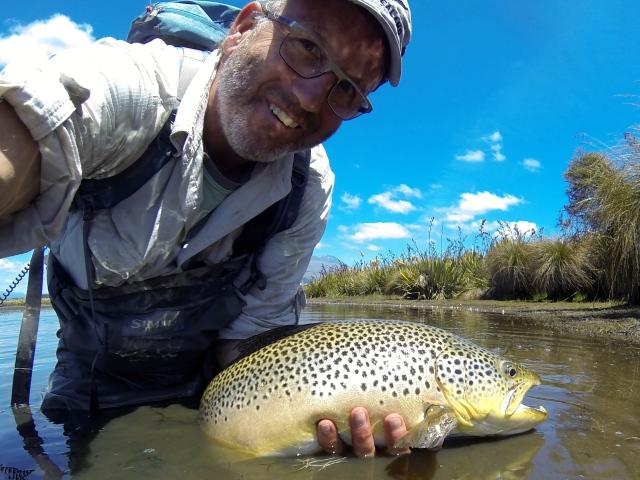 Godt fornøyd fisker med denne nydelige ørreten på 3,3 kilo:-)